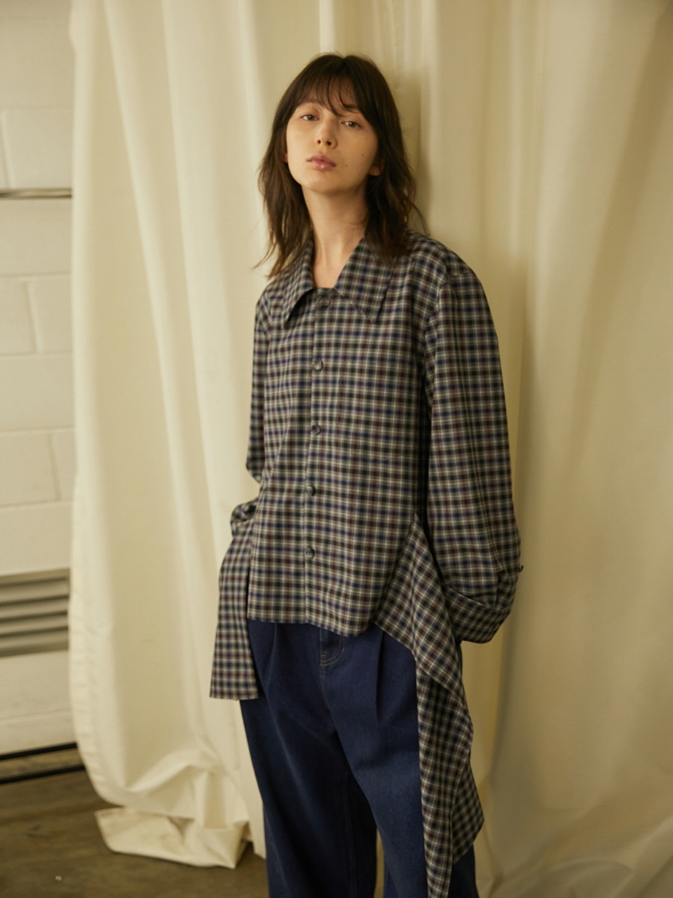 RUFFLED HEMLINE SHIRTS - GREY CHECK