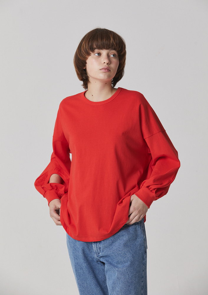 HOLE SLEEVE T - RED